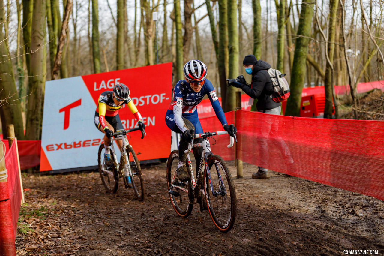 Honsinger leads a fellow racer. 2021 UCI Overijse Cyclocross World Cup. © Alain Vandepontseele / Cyclocross Magazine