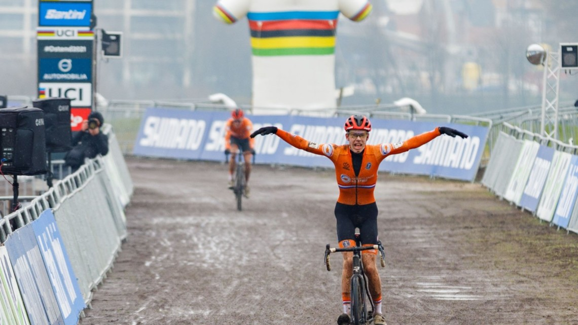 Pim Ronhaar wins the U23 Men, 2021 Cyclocross World Championships, Ostend, Belgium. © Alain Vandepontseele / Cyclocross Magazine