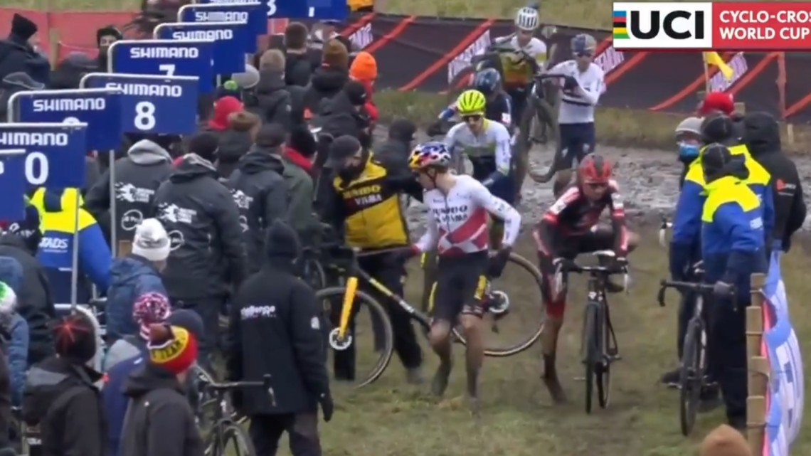 Wout van Aert's pit bike goes missing: 2020 Cyclocross World Cup Hulst