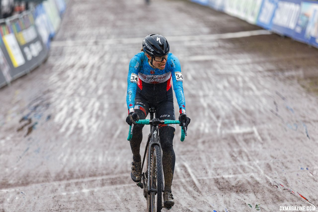 Maghalie Rochette had a strong start and finished 16th. She says she's more motivated than ever for next season. North American Elite Women, 2021 Cyclocross World Championships, Ostend, Belgium. © Alain Vandepontseele / Cyclocross Magazine