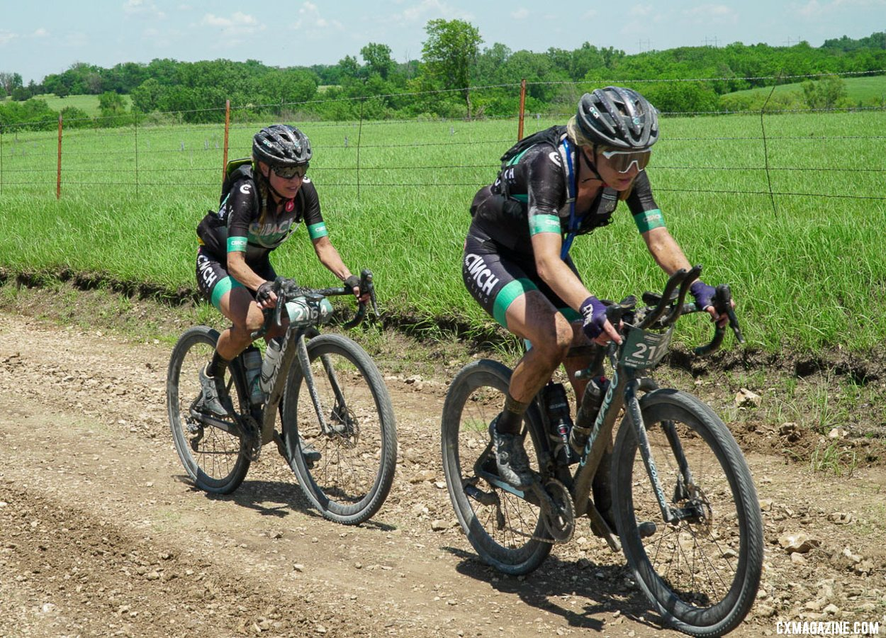 Lauren de Crescenzo caught and dropped her teammate and early leader, Flavia Oliveira. 2021 Unbound Gravel 200. photo: Life Time