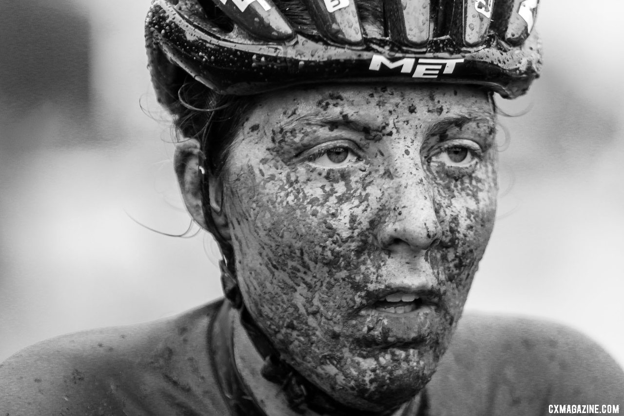Manon Bakker shows the effects of a heavy day. 2021 UCI Cyclocross World Cup Fayetteville, Elite Women. © D. Mable / Cyclocross Magazine